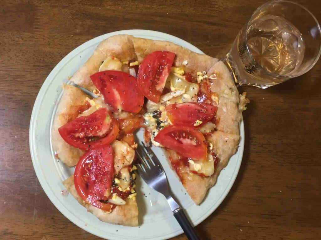 夕食のピザの写真